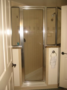 1-bedroom shower